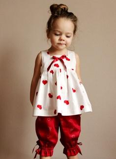 Szíves ruhák lányoknak