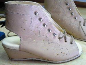 Kismama cipő készítése